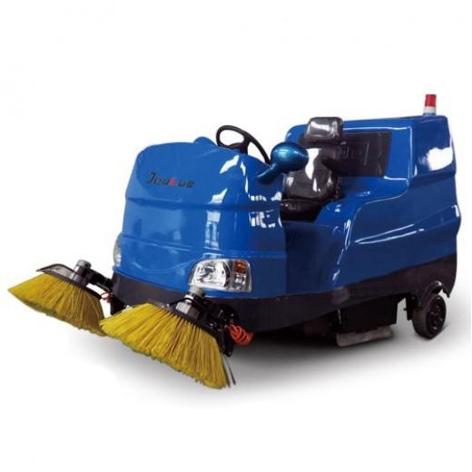 电动座驾式扫地机